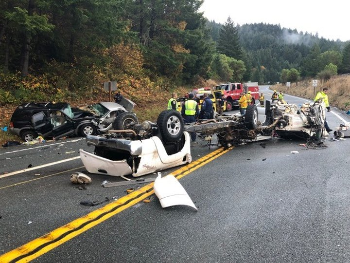 Fatal Collision On 101  Vehicle  U0026 39 Torn In Half U0026 39  By Injury