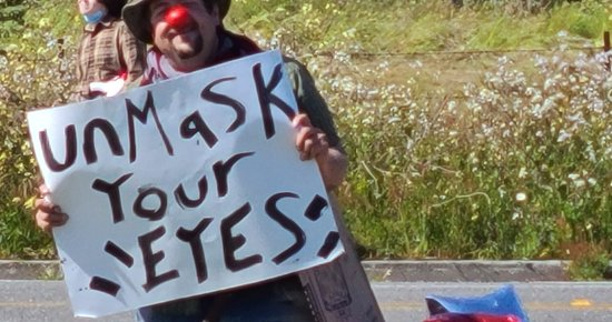 Aggressive Anti-vaxxers Protest McKinleyville High Vaccine Clinic, Harass Students and Staff