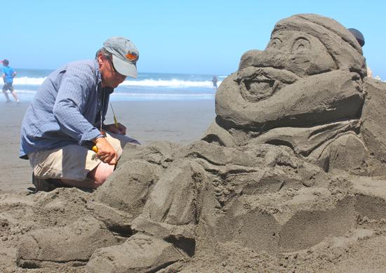 Every Freakin' Sand Sculpture Festival Entry (PHOTOS)